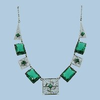 VINTAGE Art Deco Green Green Necklace