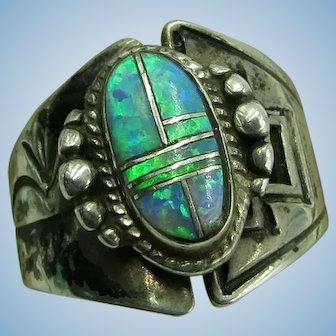 VINTAGE  Sterling Man-Made Opal Lovely Large Ring  Great Middle Finger Size 71/4