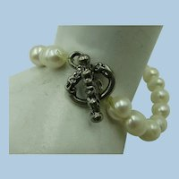 VINTAGE Fresh-water Pearl Bracelet on Stretch Elastic