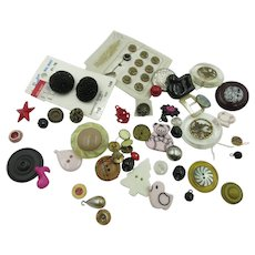 VINTAGE  Aunt Sally's Bag of Auction Buttons Many Kinds