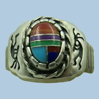 VINTAGE Zuni Channel work Ring with Kokopelli on each side  Snug Size 8