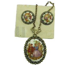 VINTAGE Western Germany Popular Colonial Couple Pendant and Clip Earrings