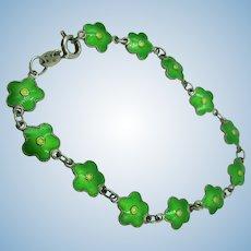 VINTAGE Sterling Tiny  Enameled Shamrocks Bracelet 7 1/4 Inch Length