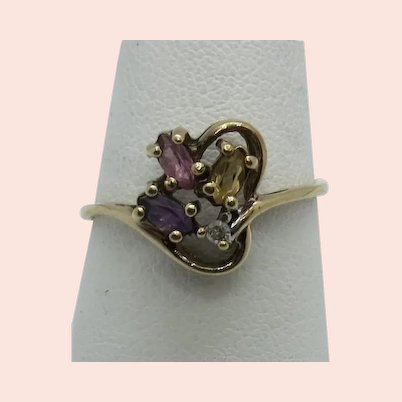 VINTAGE  10k Yellow Gold Pretty Flower Ring   Size 7
