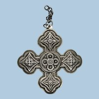 VINTAGE 1971 Reed and Barton Sterling Christmas Cross