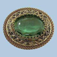 VINTAGE Gold Tone Metal Small  Lovely Brooch  Pretty Green