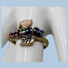 VINTAGE 10k Black Hills Gold with 6 Sets  Size 8  Great Middle Finger Ring