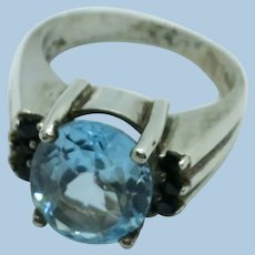VINTAGE 925  Sterling  Blue Topaz with 6 dark sapphires  Beautiful  Size 7