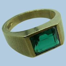 VINTAGE Green Stone 10k Yellow Gold Ring Size 9