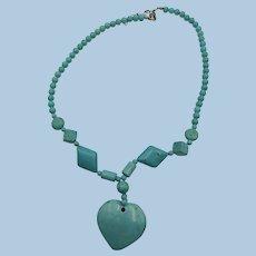 VINTAGE Pretty Gem Stone Heart Necklace