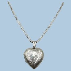VINTAGE Sterling Large Puff Heart Locket on 17 Inch Chain