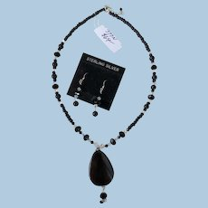 VINTAGE Onyx and Swarovski Crystals Necklace and Earrings