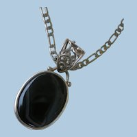 VINTAGE  Large Black Onyx with Muted Lines Pendant with 22 Inch Heavy Figaro Chain