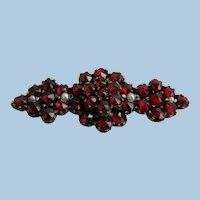 VINTAGE  Victorian Bohemian Garnet Bar with 4 Seed Pearls