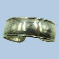VINTAGE Sterling Bracelet Easy to Wear 3/4 Inch Wide  Weighs 16.8g