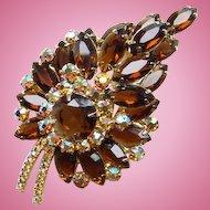 Dazzling Juliana DeLizza + Elster Stylized Leaf Brooch