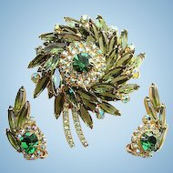 Vintage Juliana Delizza & Elster Sunburst Medallion Brooch and Earrings Set Green Rhinestones Aurora Borealis