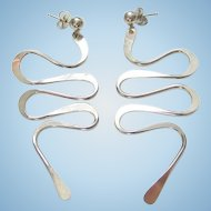 Sterling Silver Pierced Stud Dangle Drop Earrings Modernist Squiggle Abstract Design