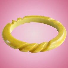 Vintage Carved Bakelite Bangle Bracelet Mustard Yellow Green Marble Tested