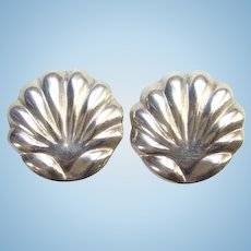 Vintage Taxco Mexico Mexican Shell Design 925 Sterling Silver Clip Earrings Nestor TJ-24