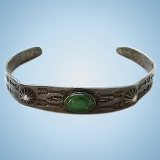 Old Fred Harvey Native American Navajo Green Turquoise and Sterling Silver Cuff Bracelet Stamp Decoration Tarnished