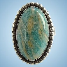 Vintage Southwestern Ring Size 6 Beautiful Turquoise Color Gemstone with Flash Signed HH