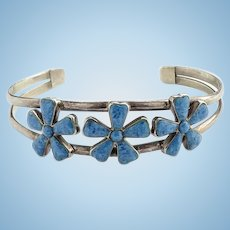Vintage Southwestern Denim Lapis Lazuli and 925 Sterling Cuff Bracelet Flower Petal Design Hallmarked