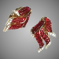 Striking RED Invisibly Set Molded Glass Clip EARRINGS Goldtone