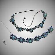 FANTASTIC Trifari Blue & Green AURORA Necklace & Bracelet Silvertone Domed Clusters