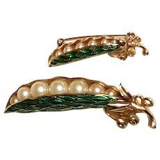 TRIFARI Peas in Pod Brooch Green Enamel with Faux-Pearl Peas with BONUS pin