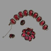 TRIFARI Cranberry RED Renaissance Glass Disc Bracelet Brooch & Clip Earrings Red & Blue