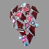 EXQUISITE Schiaparelli Shocking PINK Red KITE Shaped Stones Pin/Brooch Silver-tone & Aurora
