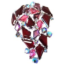 EXQUISITE Schiaparelli Shocking PINK Red KITE Shaped Stones Pin/Brooch Silver-tone & Aurora