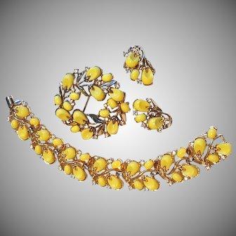 "TRIFARI Poured Glass Summer Yellow Bracelet, Brooch & Earrings ""Pebble Beach"""