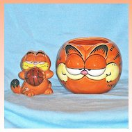 Vintage Garfield  Cat Figural Mug and Garfield Basketball Figurine by Enesco