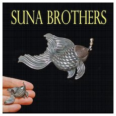 Suna Brothers Sterling Silver And 18k Gold Fish Ing Bubbles Brooch