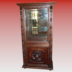Very fine antique hand carved oak display collector's cabinet