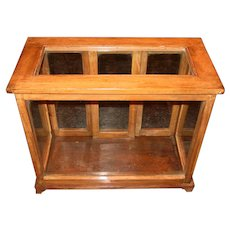 Tabletop countertop wood & glass store display case