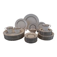 Nikko 36 Pc. Inca Platinum Dinnerware