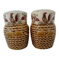 Basket Look Salt and Pepper With Roosters