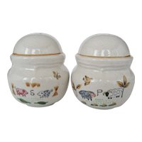 "International ""Heartland"" Round Salt & Pepper Shakers"