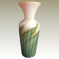 2003 Art Glass Lundberg Studios Vase green pulled feathers Vase