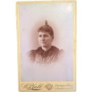 Victorian Cabinet Card Carte de Viste of a woman
