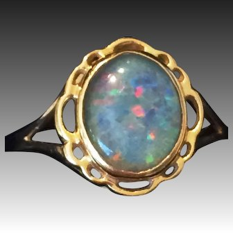 Vintage 14kt yellow gold ring with fire Opal Doublet