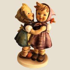 Hummel Figurine Telling her secret 196/0 TM5