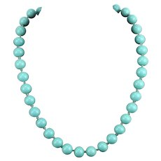 Crown Trifari 1940s Hand Knotted Faux Turquoise Glass Bead Choker Necklace