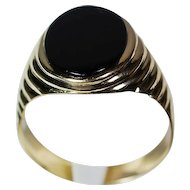 Man's 14K Yellow Gold Onyx Ring