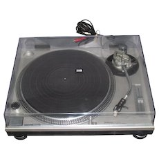 Vintage Technics SL-1200 MK2 Turntable & Stanton MP 680 EL