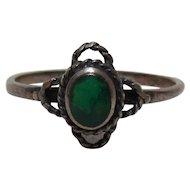 Vintage Sterling Silver & Green Stone Ring