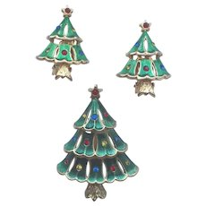"Vintage Signed ""JJ"" Christmas Tree Pin/ER Set - Book Piece"